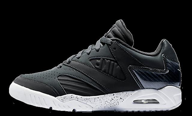 Nike Air Tech Challenge 4 Low Black