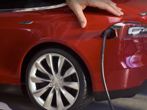 Teslaからバッテリー駆動の子ども電気自動車 002