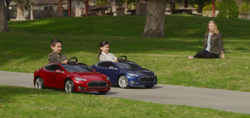 Teslaからバッテリー駆動の子ども電気自動車 007