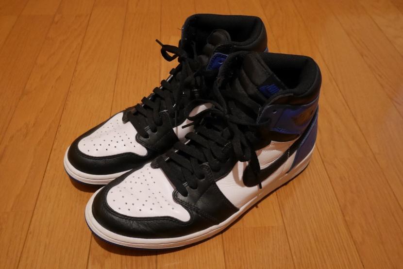 """1c05cf7e85e Fragment Design × Nike Air Jordan 1 vs. Nike Air Jordan 1 Retro High OG """"Black  Toe"""" Comparison"""